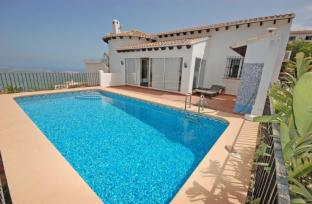 Villa and Pool in Monte Pego for sale